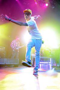 399px-pharrell_performing_september_20081