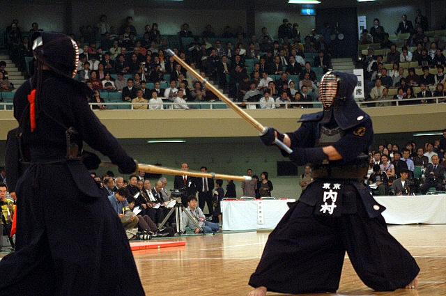 http://transracial.files.wordpress.com/2009/02/54th-all-japan-kendo-champ2006-2.jpg
