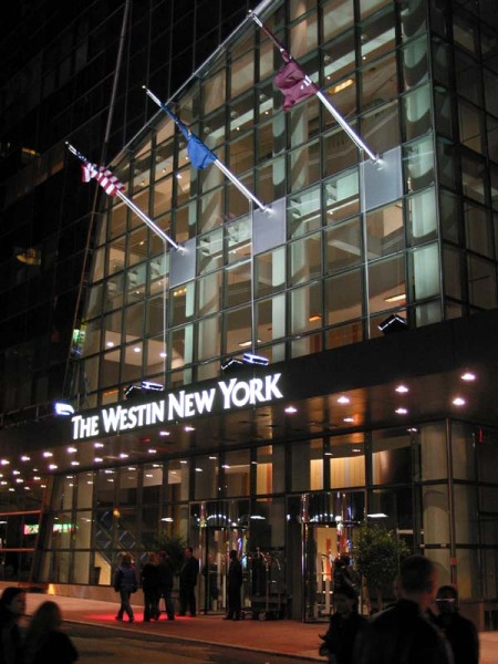 westin_new_york_entrance_18oct02