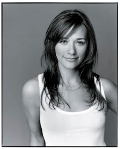 rashida_jones_b_w